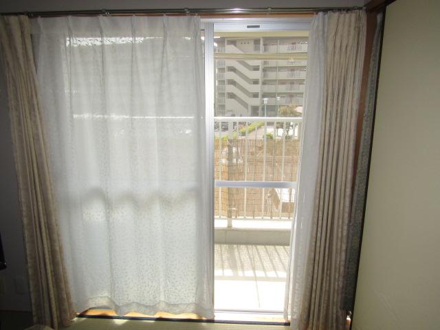 名古屋市西区 市営住宅 掃出し窓 網戸取付工事