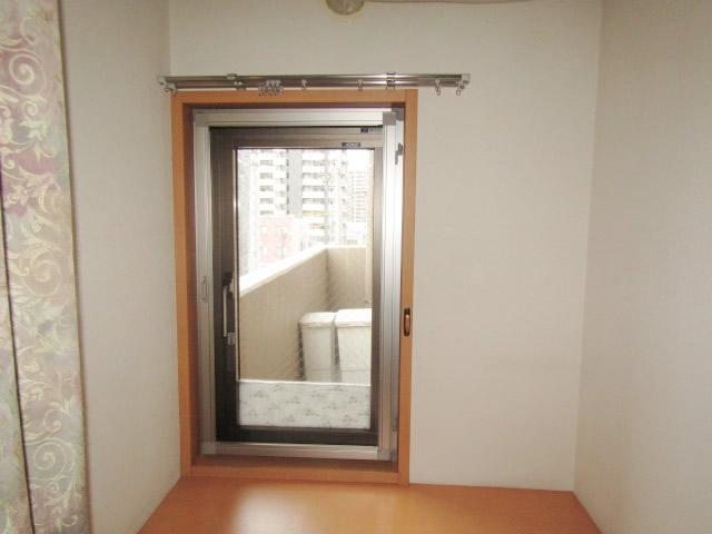 名古屋市熱田区  室内収納網戸→開き網戸 取り替え工事