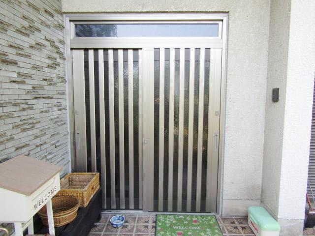 名古屋市港区 LIXIL リシェント55型 ランマ付 玄関引戸 取替工事