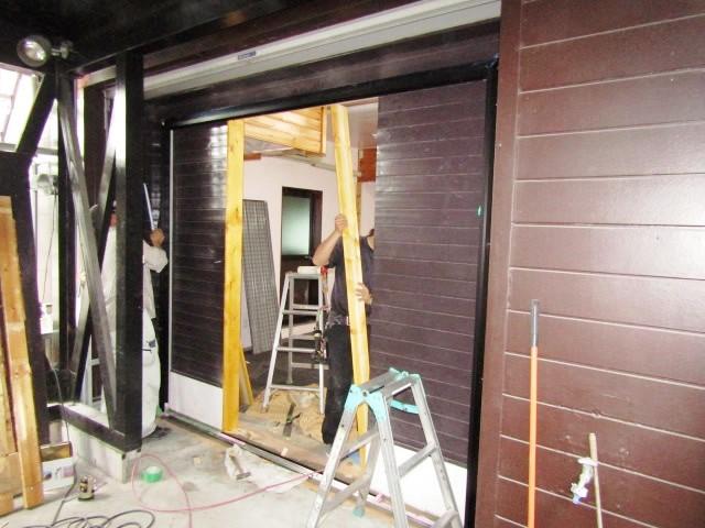 名古屋市港区 事務所出入口ドア取替え 引戸