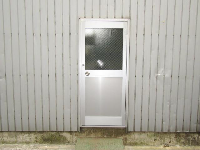名古屋市中村区 倉庫ドア取替工事 LIXIL