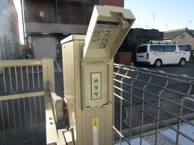 名古屋市港区 門扉スイッチカバーの取り付け工事