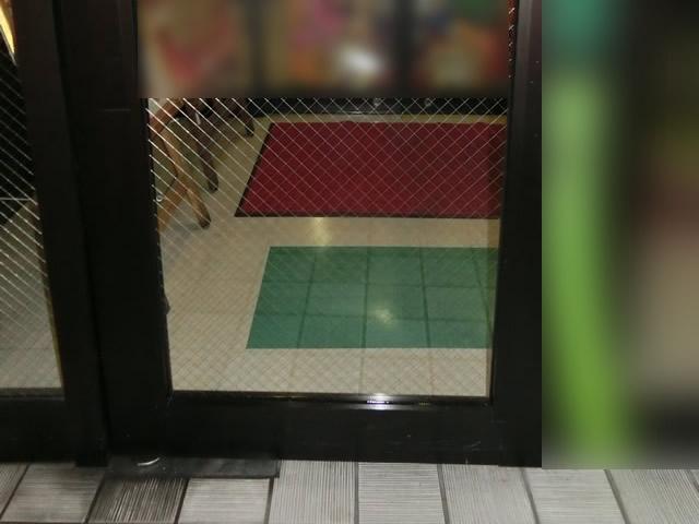 網入り透明ガラス 張替え完了