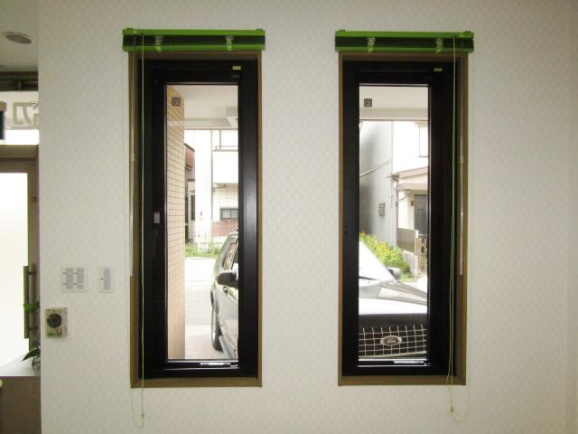 名古屋市北区 片開き窓 防犯ガラス網戸付 取付工事