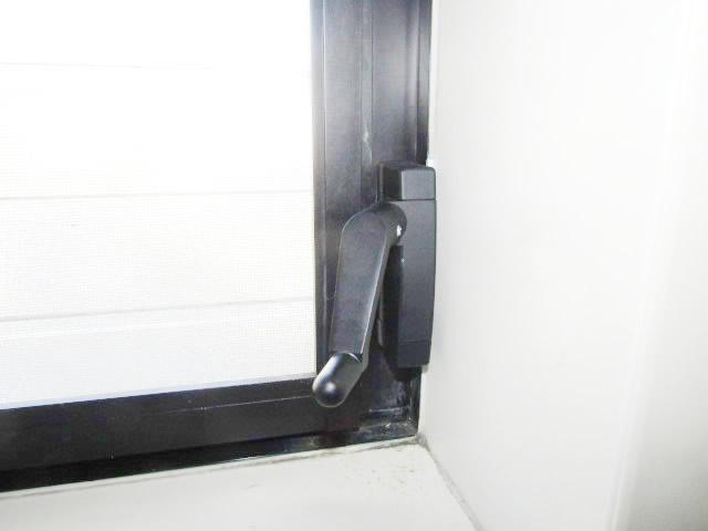 名古屋市名東区 浴室ルーバー窓 オペレーターハンドル交換工事