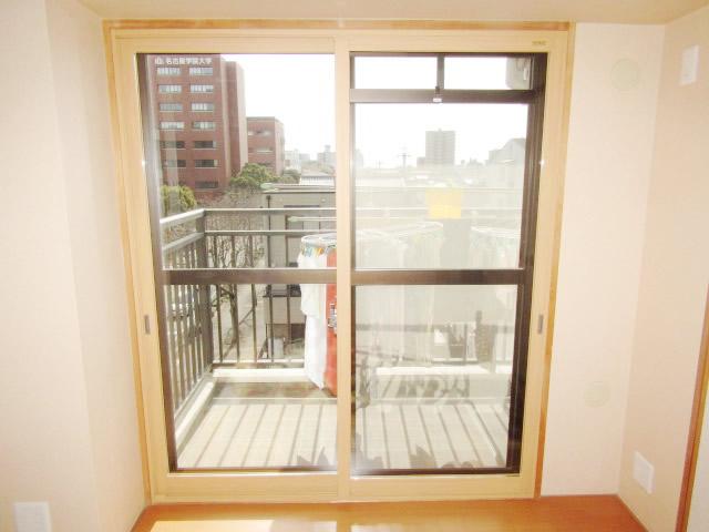 名古屋市熱田区 リクシル 内窓インプラス ペアガラス 取付工事
