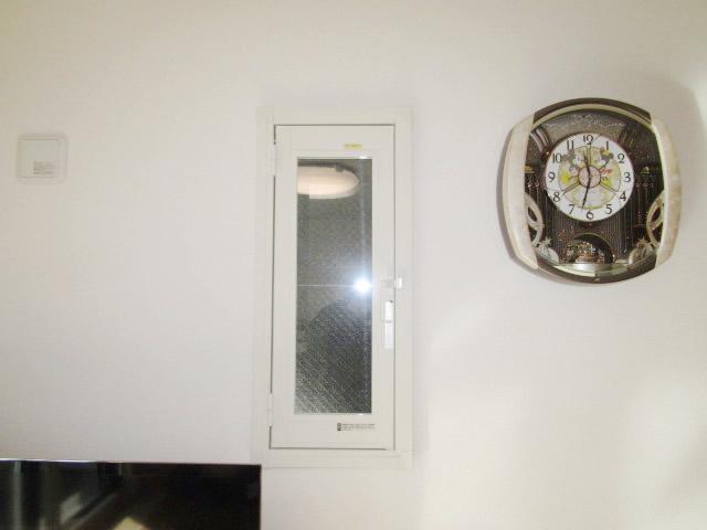 名古屋市守山区 縦すべり出し窓 LIXIL内窓インプラス 取付工事
