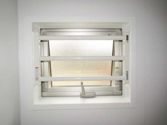 江南市 リクシル 室内面格子 固定式 ホワイト 取付工事