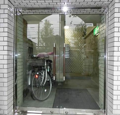 ドア(強化ガラス・フロアヒンジ)取替・改修 名古屋市昭和区 ...