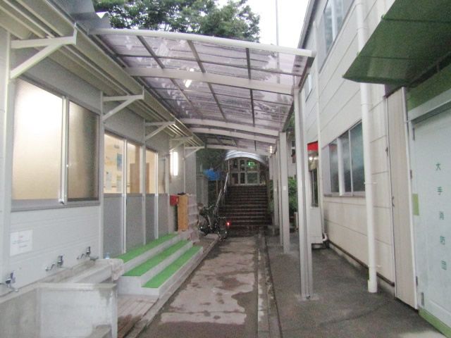 名古屋市港区 カーポート新設工事 リクシル フーゴR