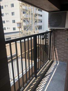 【マンションの防犯対策】隣接する場所に井桁格子を取り付け 名古屋市名東区