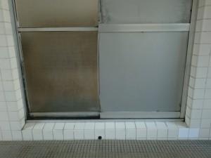 取替前 浴室引戸 下枠