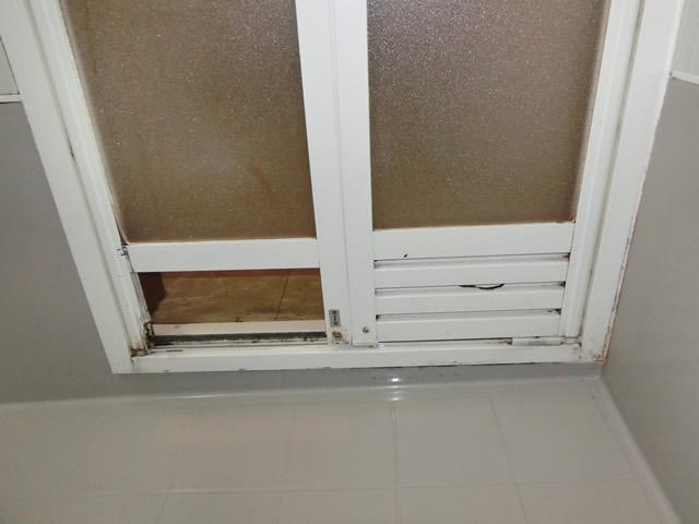既設 浴室中折れドア