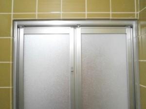 新設浴室ドア 浴室側