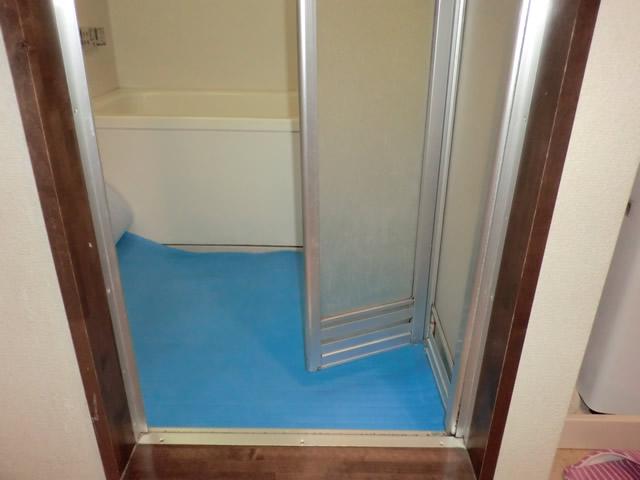 海部郡大治町 浴室中折れドア取替