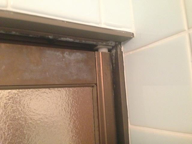 熱田区 浴室中折れドア取替
