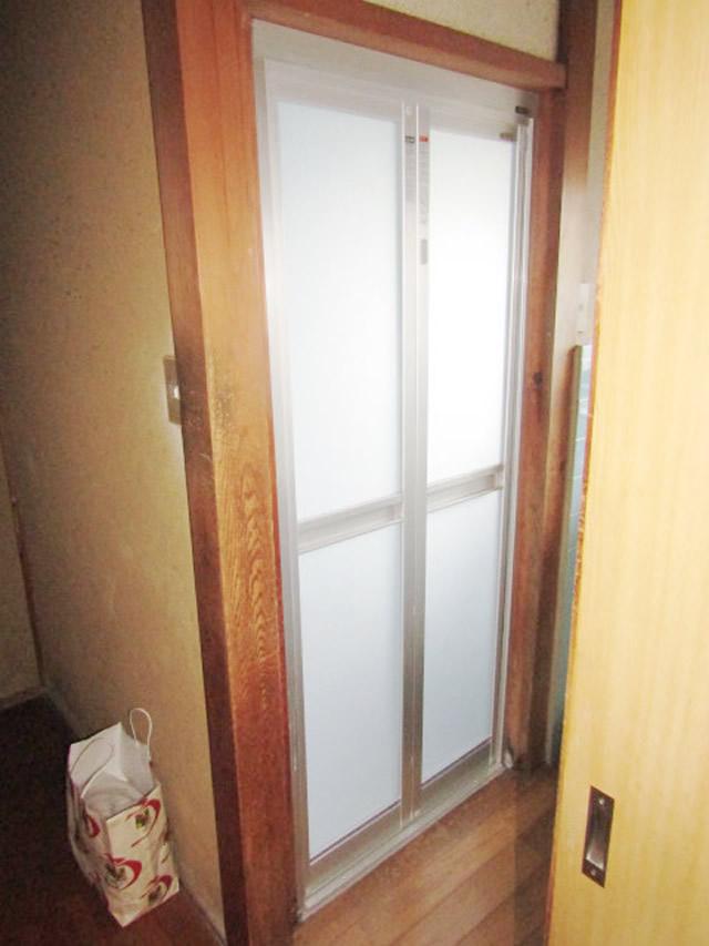 名古屋市中川区 浴室中折れドア取り替え工事
